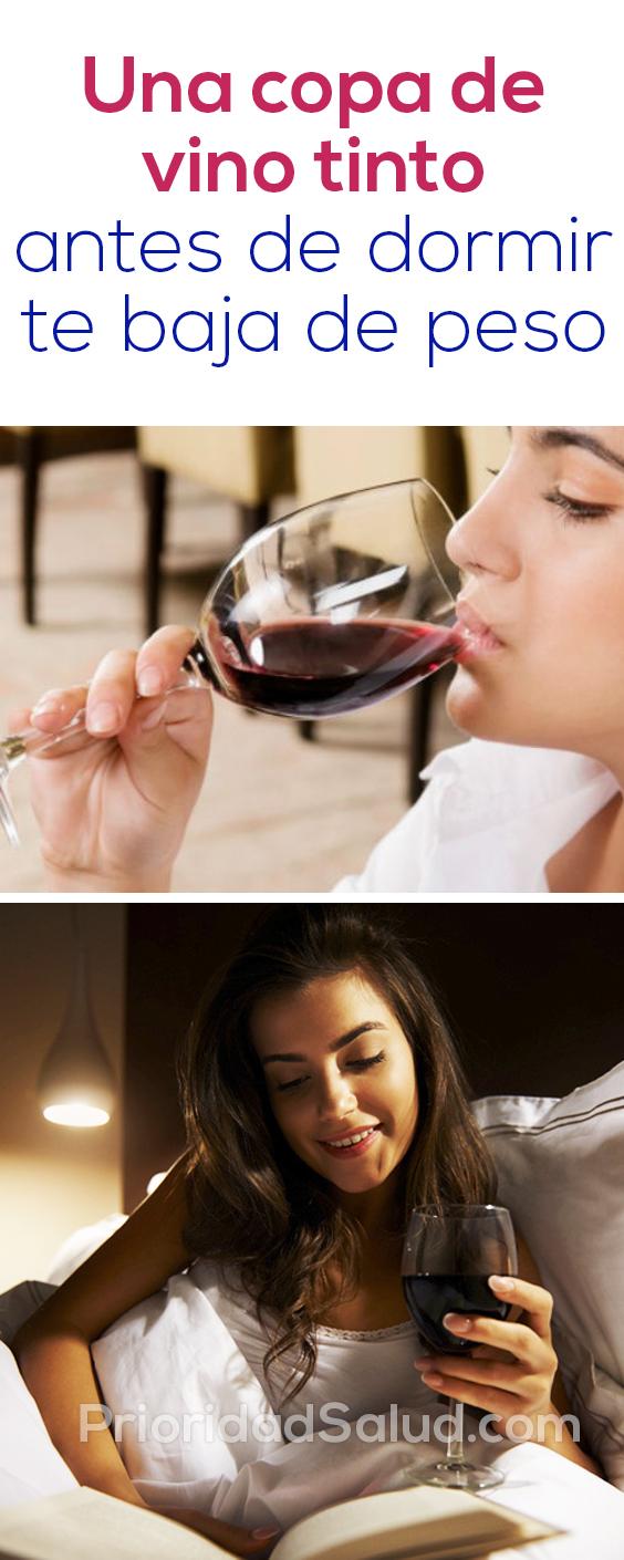 Una copa de vino tinto antes de dormir te hace bajar de peso